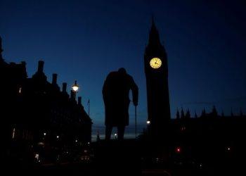 Reino Unido se abre a un «Parlamento colgado» tras elecciones