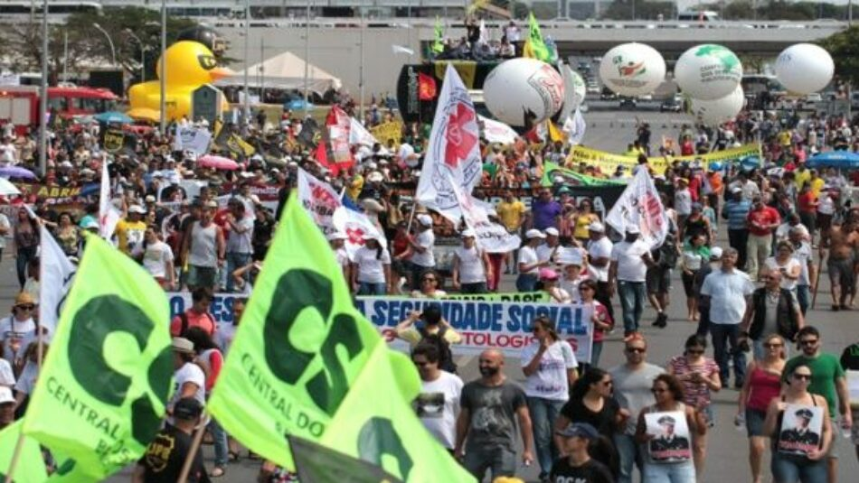 Brasileños van a segunda huelga general contra políticas de Michel Temer