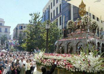Granada Laica considera una «aberración predemocrática» la presencia institucional en la procesión del Corpus
