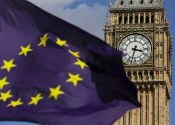 May anuncia negociaciones del «brexit» en dos semanas