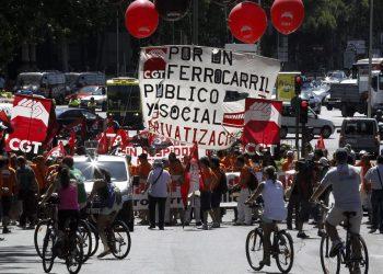 CGT convoca huelga para el día 28 de julio en Renfe y Adif