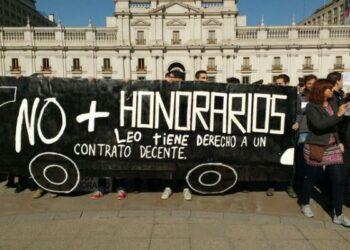 Chile. Trabajadores a honorarios se manifiestan contra condiciones laborales