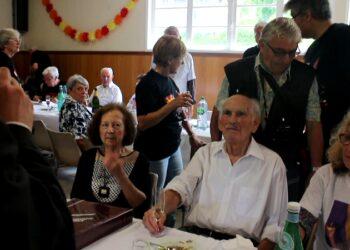 El miliciano Vicent Almudéver cumple 100 años. Homenaje republicano en Francia