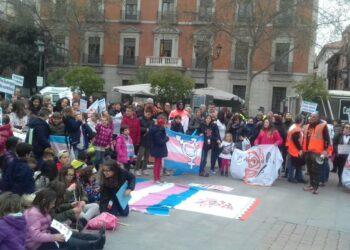 """Colectivos de personas transexuales y familias se sienten decepcionados e indignados con la creación de una """"Unidad de Atención para Menores Trans"""" en Galicia"""