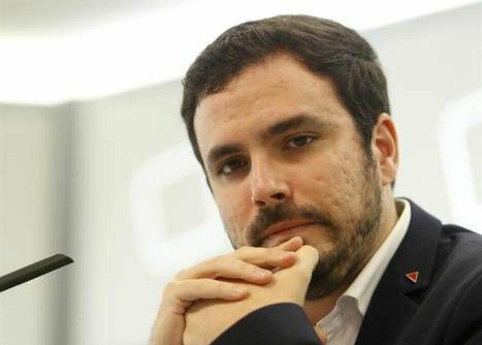 """Garzón señala que Montoro """"o bien no se cree sus previsiones"""" de crecimiento """"o bien prefiere no aprovecharlo"""" para beneficiar a la mayoría social con su propuesta de techo de gasto"""