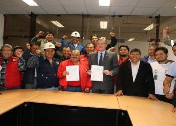 Mineros de Perú suspenden huelga tras acuerdo con el Gobierno
