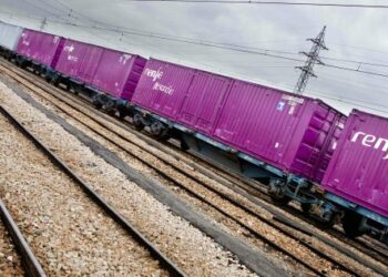 Sindicato Ferroviario rechaza y considera una «trampa» el «Plan de Compensación Flexible» de Renfe para no pagar IRPF