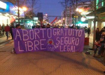 Chile. Marchan por el derecho al aborto libre, seguro y gratuito en Concepción y Talca