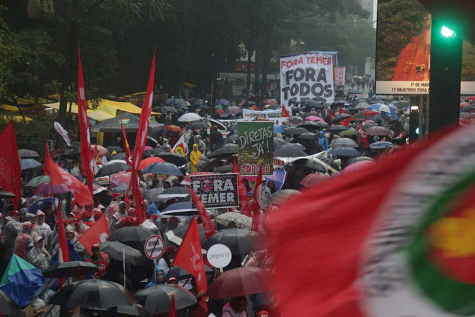 El día de la votación contra Temer, Frente Brasil Popular llama actos en todo el país / Oposición lucha por la admisión de la denuncia contra Michel Temer