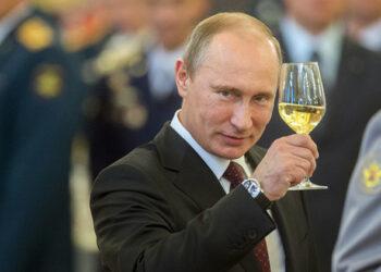 Putin estudia participación en presidenciales de 2018