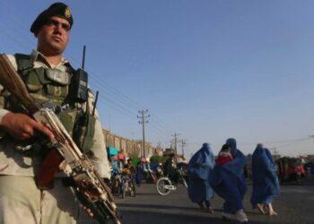 Afganistán acusa a terroristas de matar a 50 personas