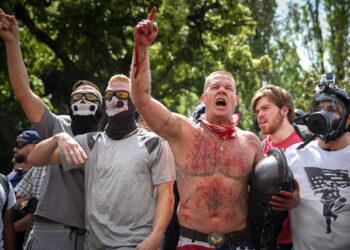 14 detenidos en protestas ultraderechistas en Berkeley, EE.UU.