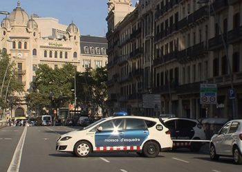 Al menos 13 víctimas y más de 100 heridos en un brutal atentado yihadista en Barcelona