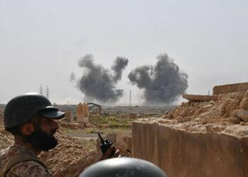 Ejército sirio, a 66 kms de Deir Ezzor