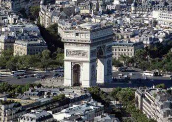 Analizan viaje de terroristas a París previo a atentados en España