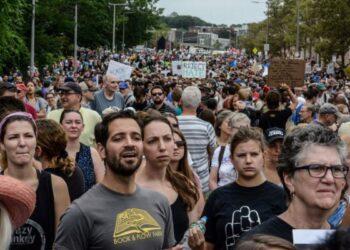 EE.UU: Miles de personas protestaron en Boston contra la intolerancia, el racismo y el discurso de Trump