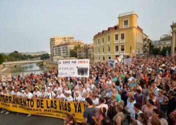 La Confederación Intersindical apoya la manifestación de la plataforma pro-soterramiento