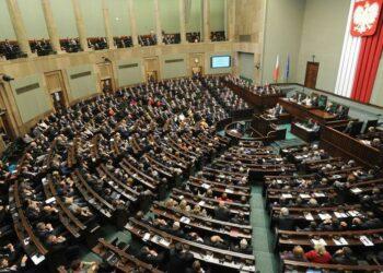 Polonia prohíbe que los judíos no polacos reclamen indemnizaciones por el Holocausto