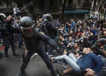 La FEP denuncia los ataques a periodistas en Cataluña