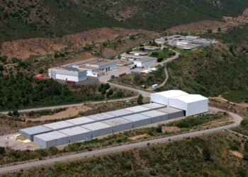 EQUO lleva al Parlamento andaluz el traslado de dióxido de uranio al cementerio nuclear de El Cabril