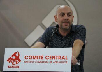 """Ernesto Alba: """"Hay que abordar desde planes de reindustrialización hasta la renta básica"""""""