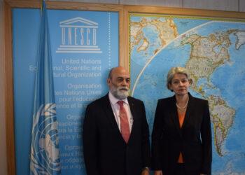 Directora de Unesco recibe en París a vicecanciller de Venezuela
