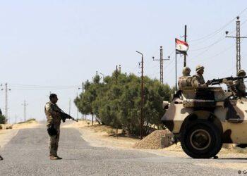Al menos 50 militares egipcios muertos en ataque terrorista al sur de El Cairo