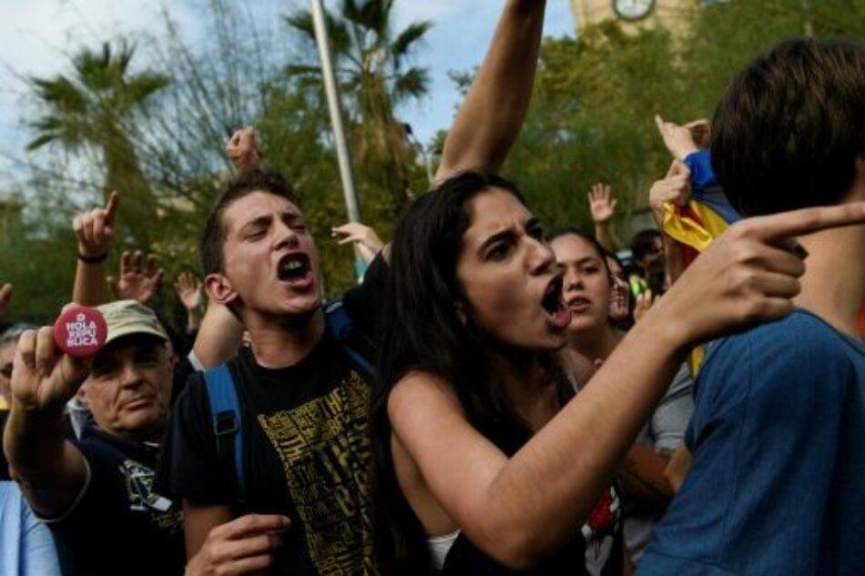 Alcaldesa de Barcelona denuncia agresiones sexuales durante referendo catalán