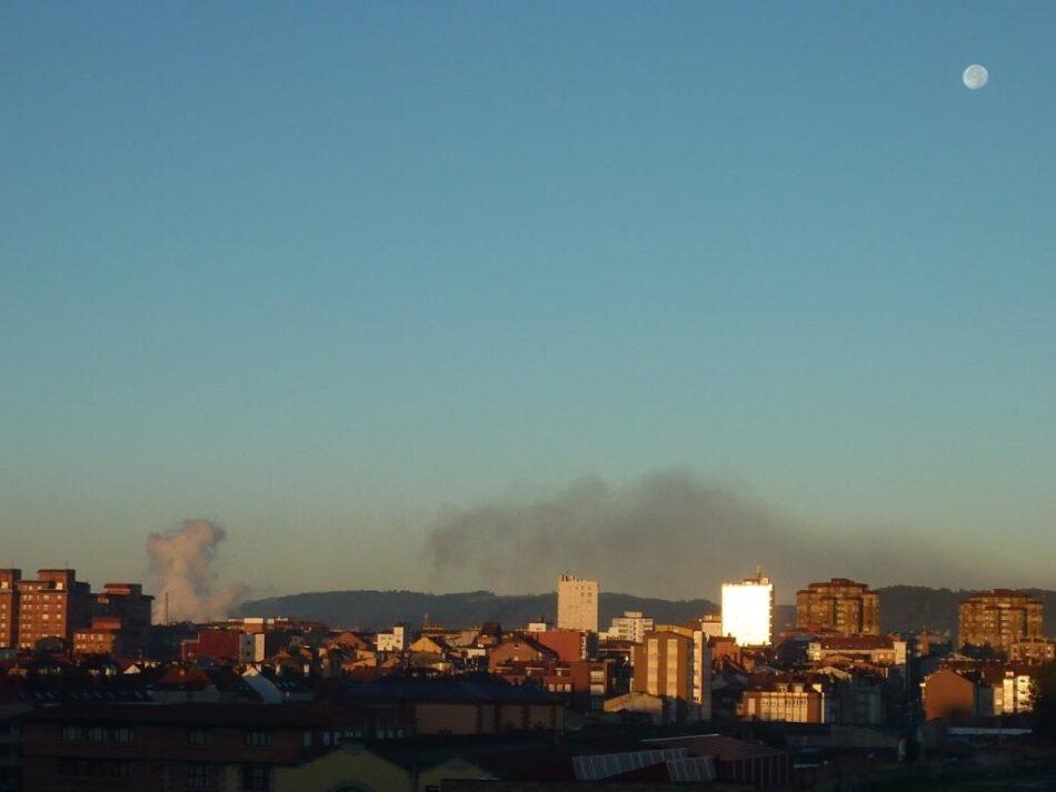Ecologistas aseguran que «en Gijón hoy es peligroso respirar»