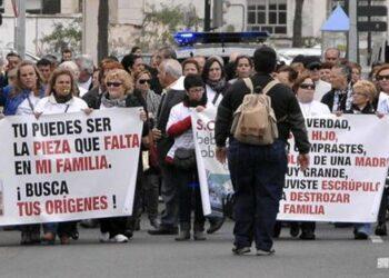 """IU celebra que Bruselas exija al Gobierno y a la Iglesia """"reconocer su responsabilidad"""" y """"adoptar medidas urgentes» para solventar la trama de bebés robados"""