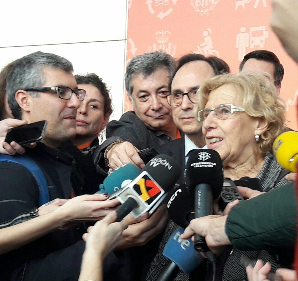 Barcelona expressa la seva solidaritat amb l'Ajuntament de Madrid i reclama que els consistoris sanejats puguin destinar el superàvit a serveis públics i inversions