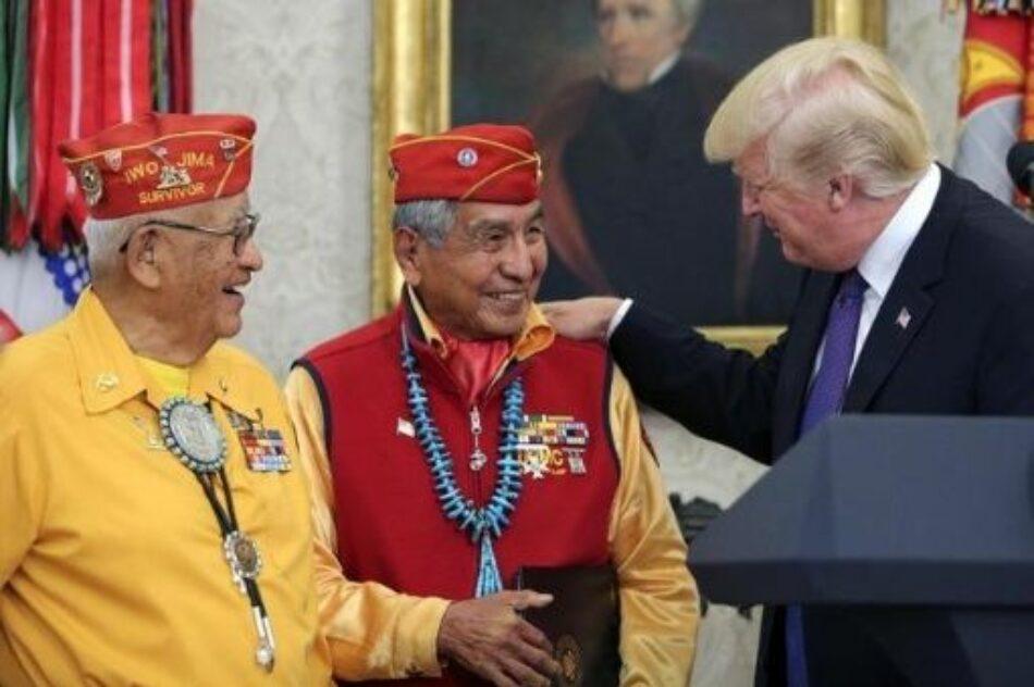Trump se ríe de indígenas llamando «Pocahontas» a senadora
