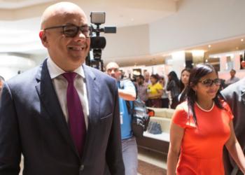 Deuda, diálogo, geopolítica y caos en la oposición venezolana