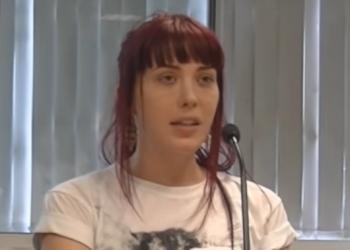 """La precariedad laboral en el periodismo: relato de una ex """"becaria"""" británica que llegó a prostituirse para pagar sus prácticas"""