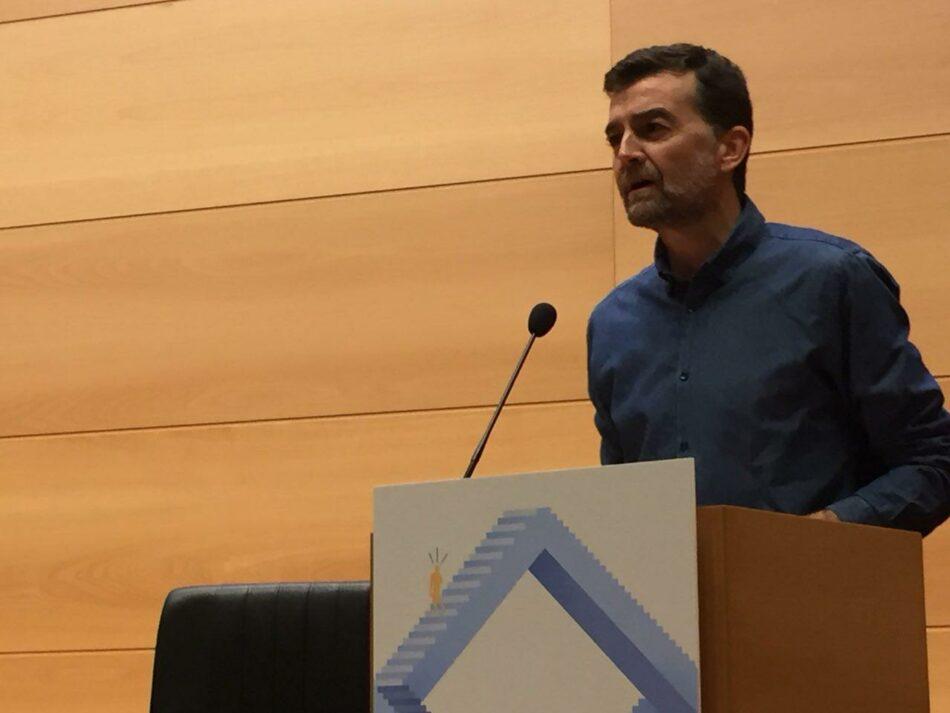Antonio Maíllo rechaza una reforma constitucional de «despachos» y apuesta por un proceso constituyente que elabore un nuevo marco de convivencia