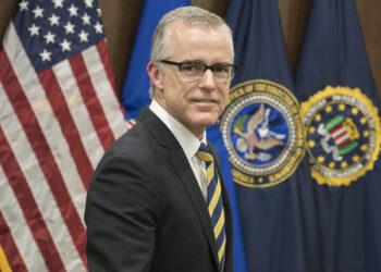 Presidente de EE.UU. lanza nuevas críticas contra el FBI
