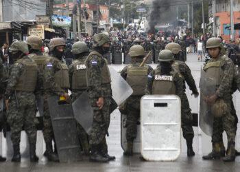 Explota crisis en Honduras