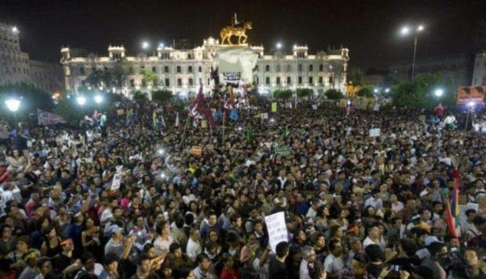 Perú: Miles marcharon contra el fujimorismo y también contra el presidente Kuczynski