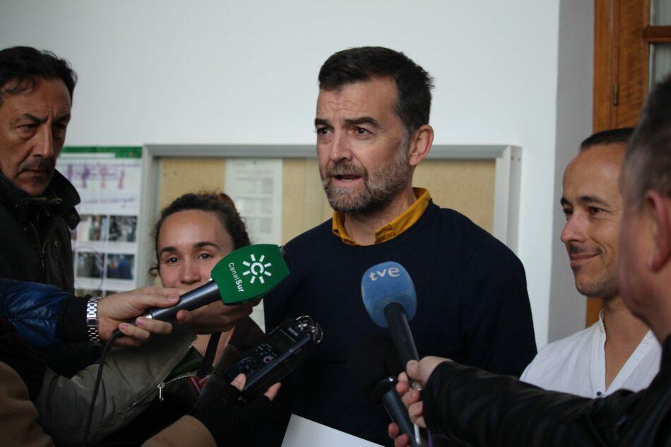 IU pide a la Junta que unifique criterios y adopte medidas para garantizar el carácter laico de la escuela en Andalucía