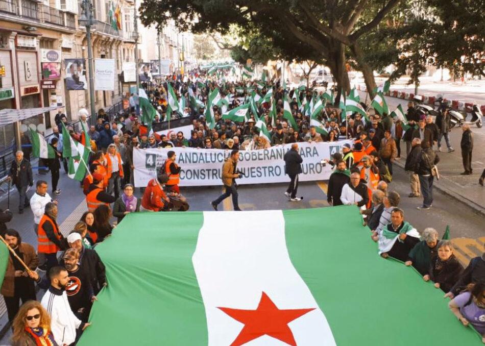 Más de 10.000 personas secundan la marcha por la soberanía andaluza en Málaga