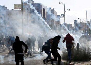 Enfrentamientos entre palestinos y fuerzas ocupantes israelíes en Al Quds y Cisjordania