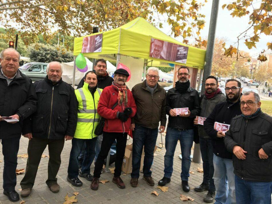 El senador Iñaki Bernal visita la campanya de Catalunya en Comú-Podem a Badalona