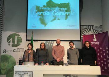 Los IV Premios García Caparrós reconocen la trayectoria de Caballero Bonald y Mar Cambrollè