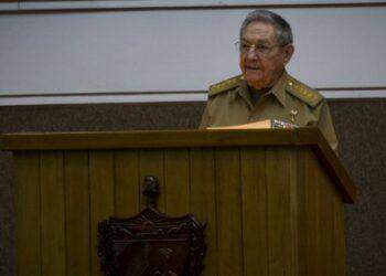"""Cuba. Raúl Castro: """"Aquí estamos y estaremos; libres, soberanos e independientes"""""""