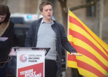 """L'escriptor britànic Owen Jones dóna suport a Catalunya en Comú – Podem per """"acabar amb l'imperi de les elits"""""""