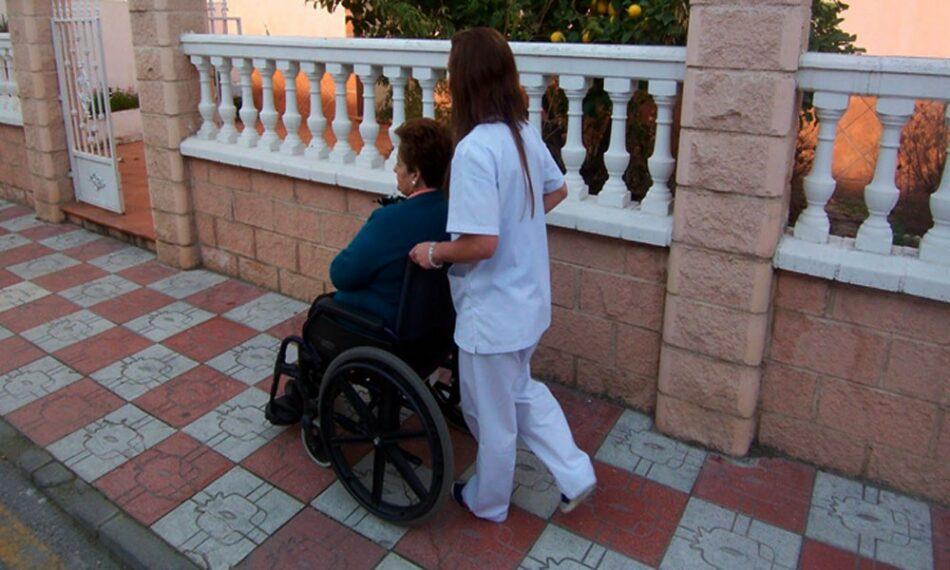 IUCyL solicita la vacunación de las trabajadoras del Servicio de Ayuda a domicilio en toda la Comunidad