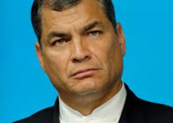 """Ecuador: Correa califica de """"atrocidad jurídica"""" la negativa del Consejo Electoral a inscribir su nuevo partido"""