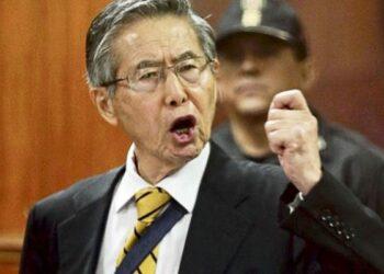 Más de 230 escritores expresaron su rechazo al indulto de Fujimori en Perú