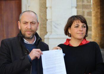 El PCA denuncia en la Fiscalía de Cádiz los cánticos machistas de la legión durante un desfile el pasado mes de diciembre