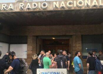 Argentina: Trabajadores de Radio Nacional inician paro por despidos y presiones